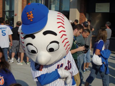 (image: discouraged Mr. Met)