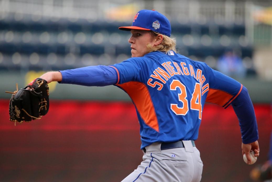 Noah Syndergaard throws live batting practice on #WSMediaDay.